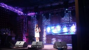 Na scenie