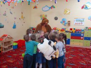 miś i dzieci
