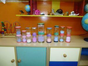 klepsydry zrobione przez dzieci